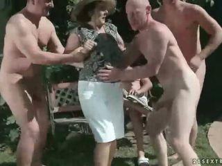 Piss sex granny Pissing •
