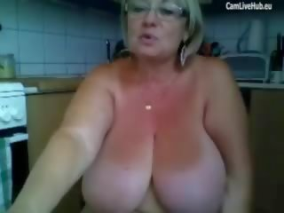 Granny cant cope with sex