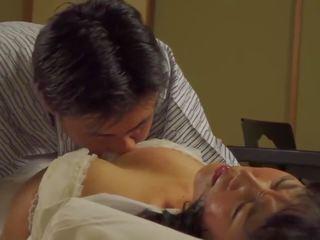 Mature Nhật Bản tits lớn khiêu dâm, Busty Mature Nhật Bản giới ...